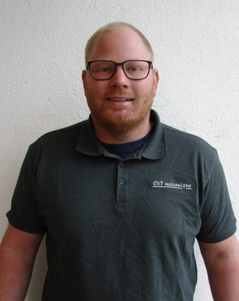 atelier mécanique - notre équipe -Patrick Terrin - Employé du secteur manutention